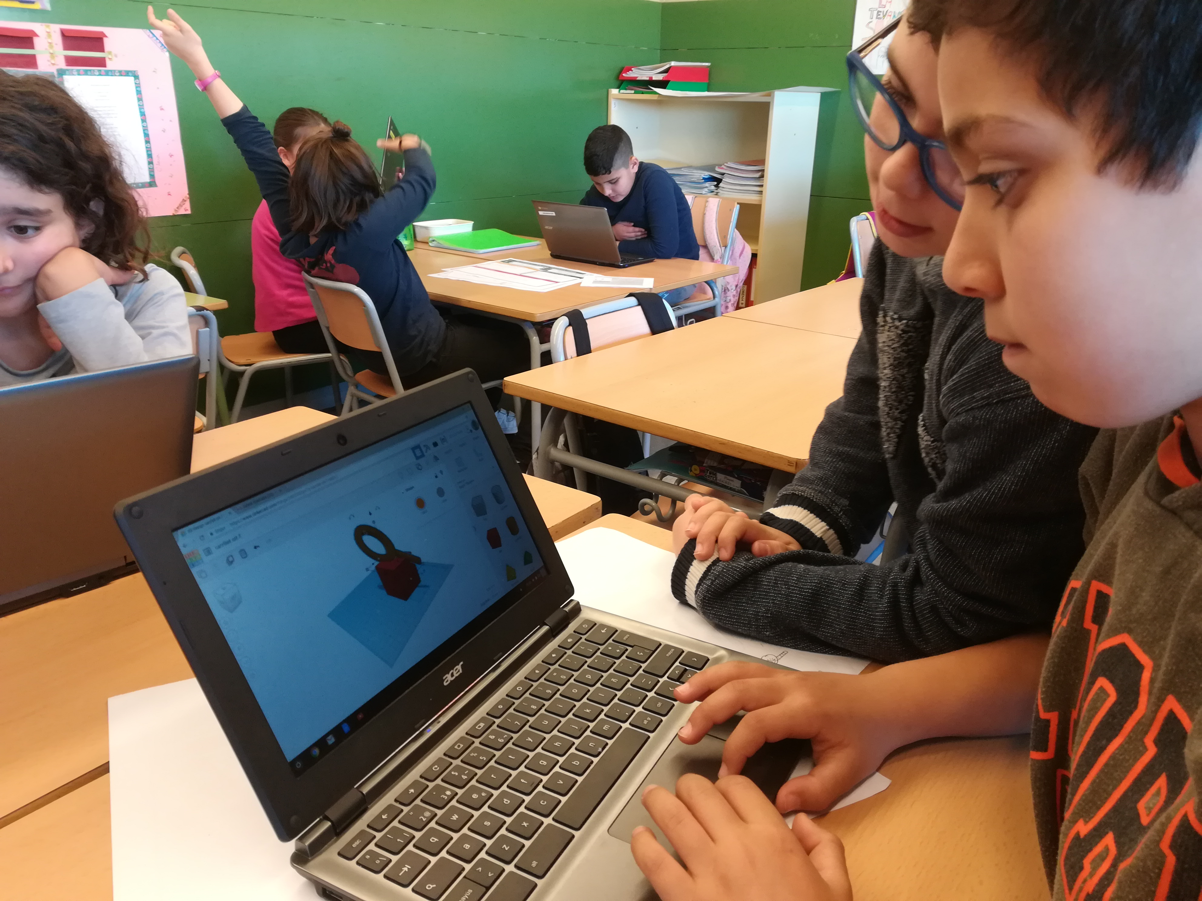 STEAM, DESIGN THINKING, VIDEOJOCS I IMPRESSIÓ 3D A L'AULA? YES, WE CAN.